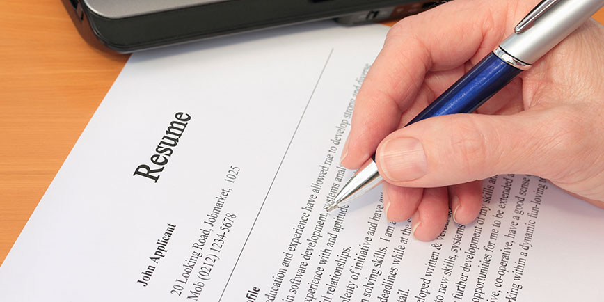 Evaluating The Steps To Create An Attractive Resume Application!!